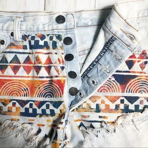 Signature8 tribal Aztec short shorts button fly